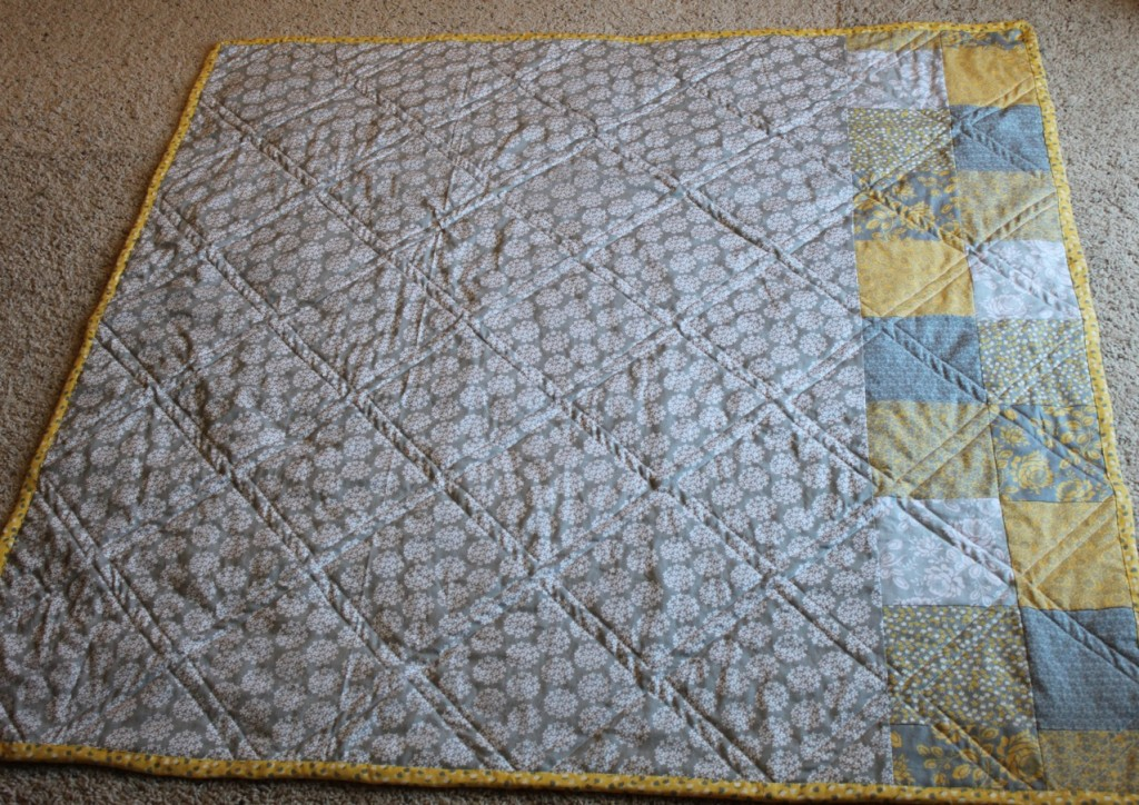 Yellow & gray diamond baby quilt : yellow and gray baby quilt - Adamdwight.com
