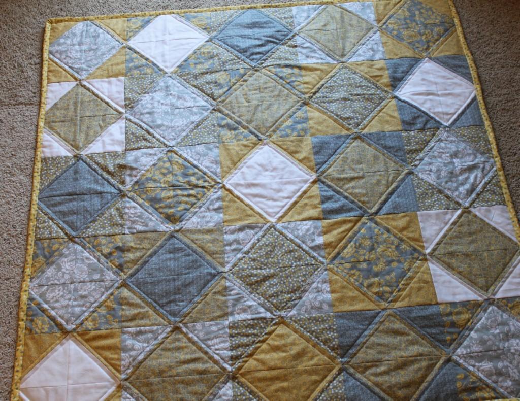Yellow & gray diamond baby quilt : yellow and gray quilt - Adamdwight.com